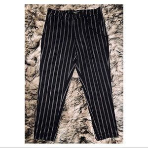 FOREVER 21 MENS PINSTRIPED PANTS WITH BLACK CHAIN